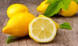 Применение лимона против прыщей