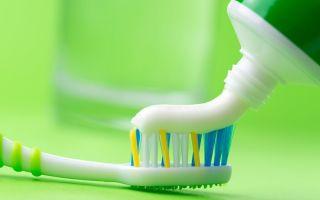 Как правильно применять зубную пасту против прыщей